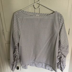 GAP Tops - Gap blouse with cool sleeve detail